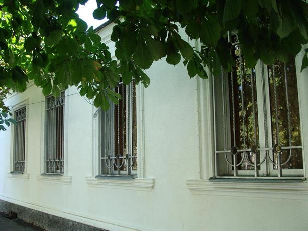Lucky House Gori