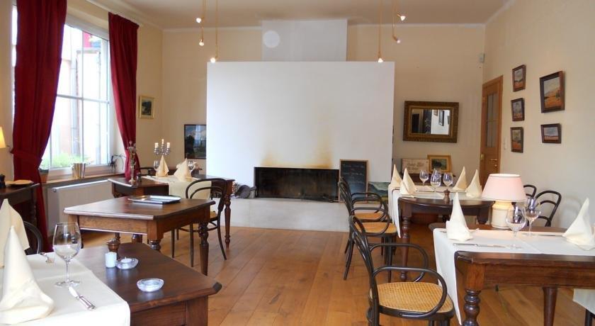 Hotel beau rivage and restaurant koulic la roche en for Au beau rivage la cuisine