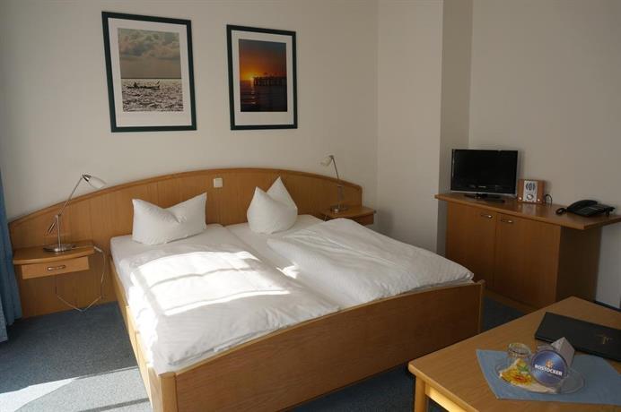 Hotel Deutsches Haus Wustrow، وستروو قارن عروض الأسعار
