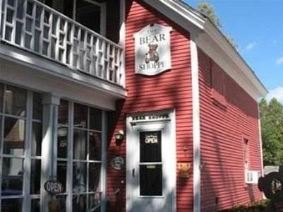 Hugging Bear Inn