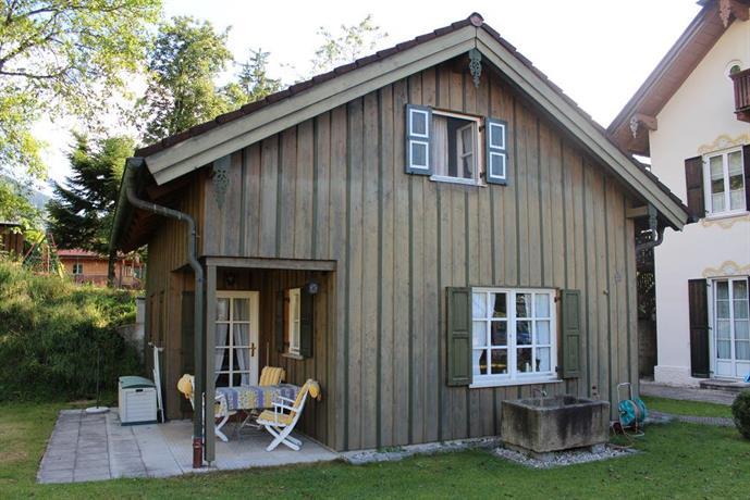 ferienhaus alp chalet kochel am see comparer les offres. Black Bedroom Furniture Sets. Home Design Ideas
