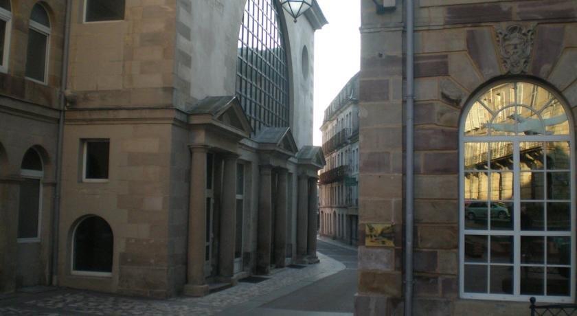 Appartements 2 rue des sybilles plombieres les bains for Rue des bains