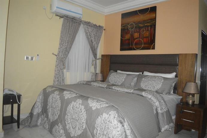 Shelvac Hotel