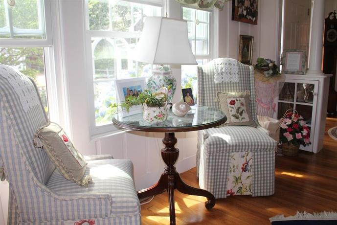 English Garden Bed And Breakfast Cape Cod