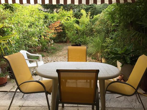 bien etre aux canuts caluire et cuire die besten deals vergleichen. Black Bedroom Furniture Sets. Home Design Ideas