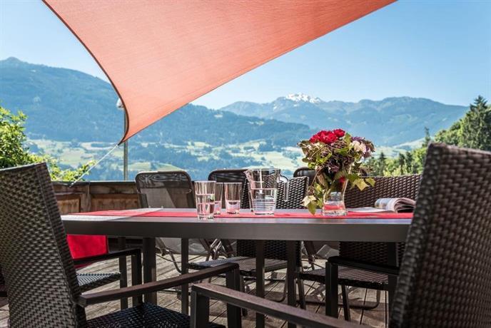 chalet schlossblick tirol vomp compare deals. Black Bedroom Furniture Sets. Home Design Ideas