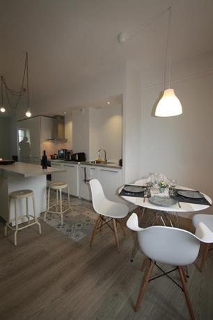 Appartement design port douarnenez compare deals for Appartement design douarnenez