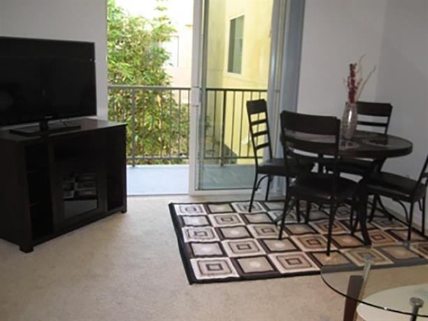 Two Bedroom Apartment Near Promenade Santa Monica Compare Deals