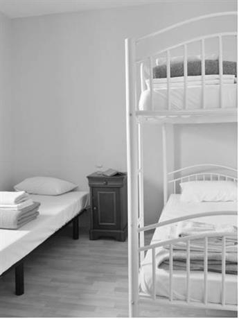 l 39 auberge du pelerin et du voyageur arles compare deals. Black Bedroom Furniture Sets. Home Design Ideas