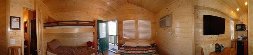 Verde valley studio cabin 1 cottonwood confronta le offerte for Cabin cabin in wisconsin dells con piscina all aperto