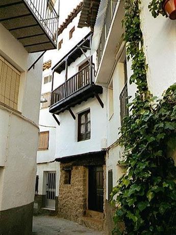 Casa Rural La Cueva Casas del Castanar