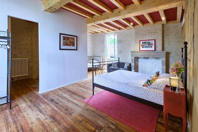 chambres d 39 hote rouge bordeaux. Black Bedroom Furniture Sets. Home Design Ideas