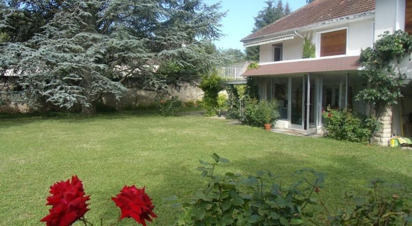 Le grand jardin beaune compare deals for Louis jardin wine
