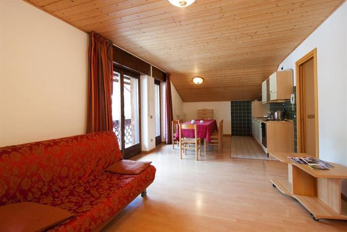 Appartamenti al centro livinallongo del col di lana for Appartamenti al centro di barcellona