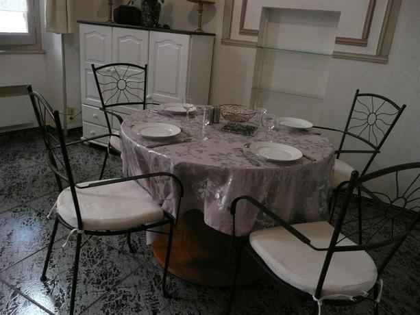 appartement il etait une fois albi comparer les offres. Black Bedroom Furniture Sets. Home Design Ideas