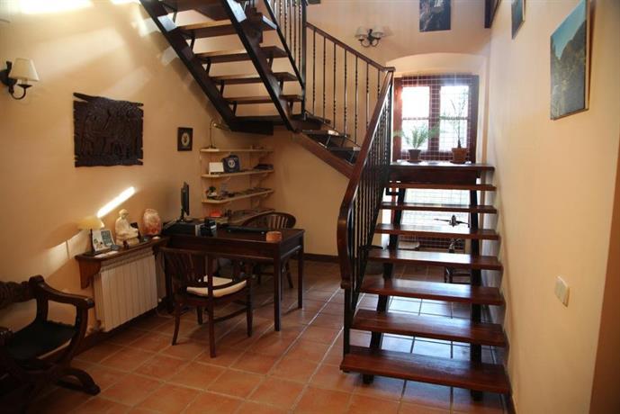 Casa rural jardin de la sierra de gata hoyos compare deals for Casa rural jardin del desierto