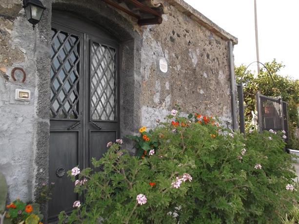 Casa dei sogni vicino a taormina calatabiano compare deals for Casa dei sogni