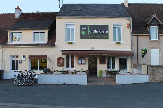 Au jardin d 39 ete la chatre compare deals for Au jardin guest house