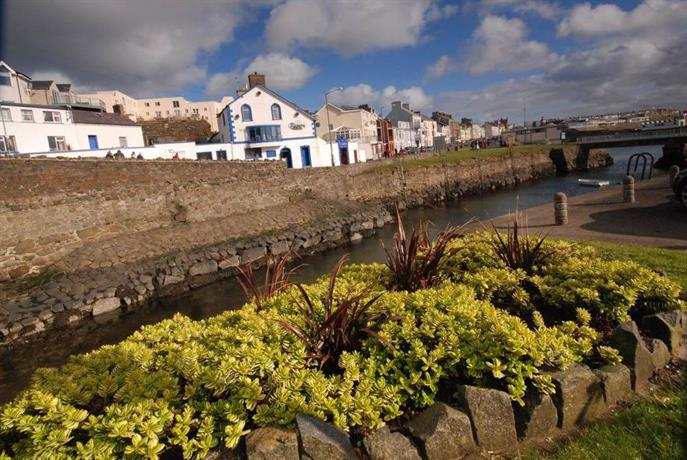 Hope cottage portrush compare deals for Hotels near portrush with swimming pool