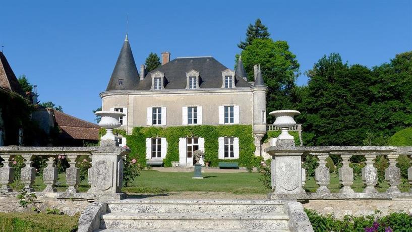 chambres d 39 hotes chateau de lannet champagnac de belair compare deals. Black Bedroom Furniture Sets. Home Design Ideas