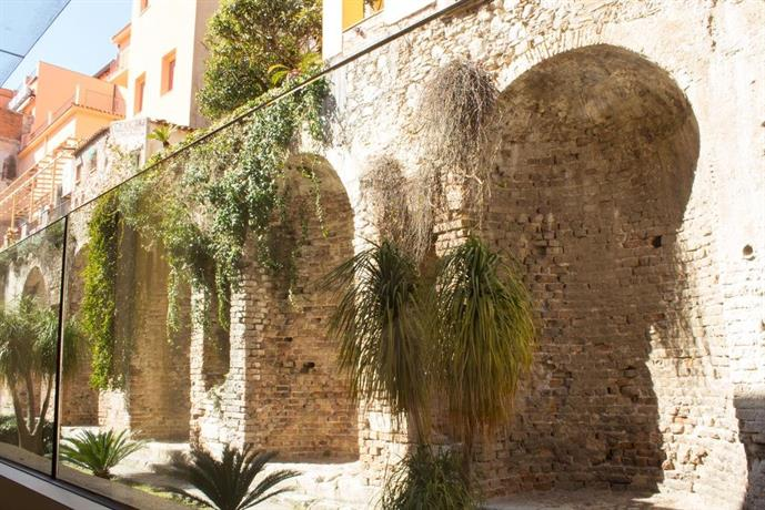 Le jardin romain taormina compare deals for Jardin romain