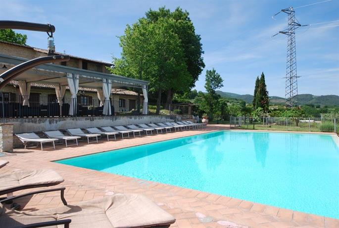 Spoleto by the pool
