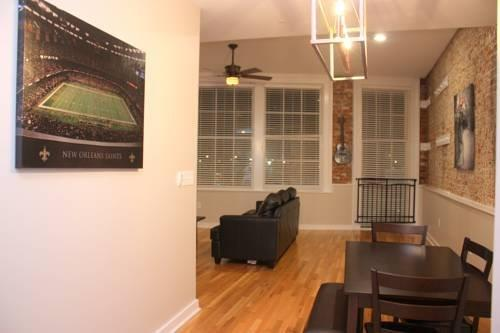 French Quarter Luxury Two Bedroom Penthouse 401 New Orleans Compare Deals