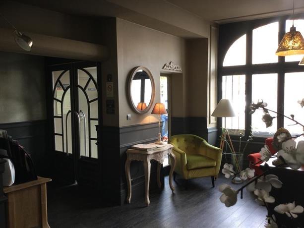 hotel du commerce montauban comparez les offres. Black Bedroom Furniture Sets. Home Design Ideas
