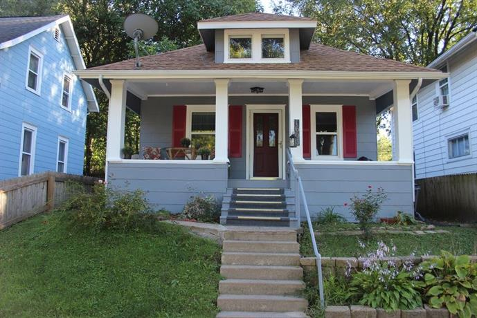 Cottage in the heart of Cedar Rapids
