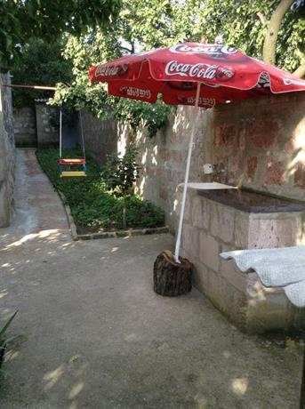 Em&Ri Guest House in Odzun