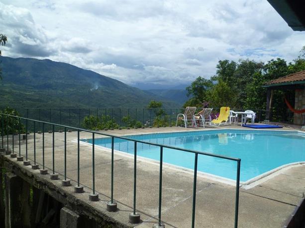 Chinauta pool and view Countryhouse