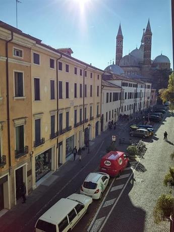 Casa Piazza del Santo