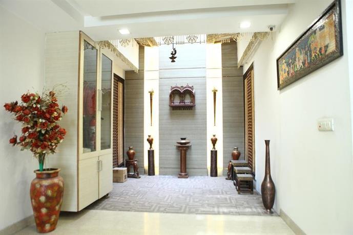 Lavish Inn