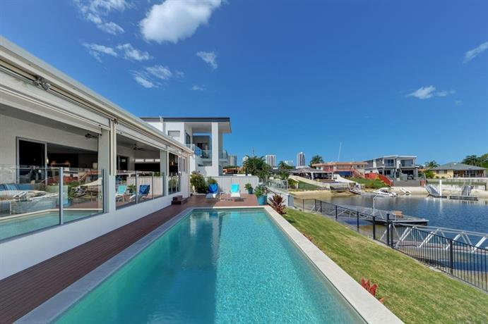 Belle Of Broadbeach