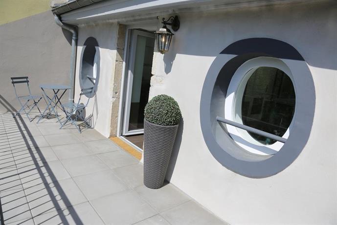 lyon cite internationale caluire et cuire compare deals. Black Bedroom Furniture Sets. Home Design Ideas