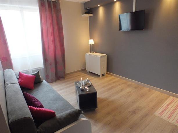 le studio du faubourg hypercentre strasbourg compare deals. Black Bedroom Furniture Sets. Home Design Ideas