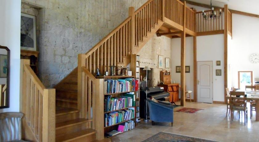 chambre d 39 hotes cugnac beaumont du perigord confronta le offerte. Black Bedroom Furniture Sets. Home Design Ideas