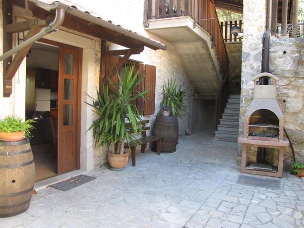 La Casa Nel Bosco Grimacco