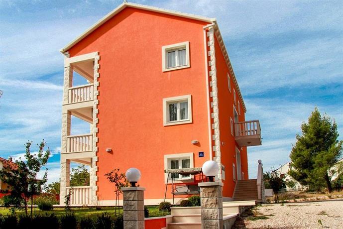 Apartments Viktoria Orebic Compare Deals