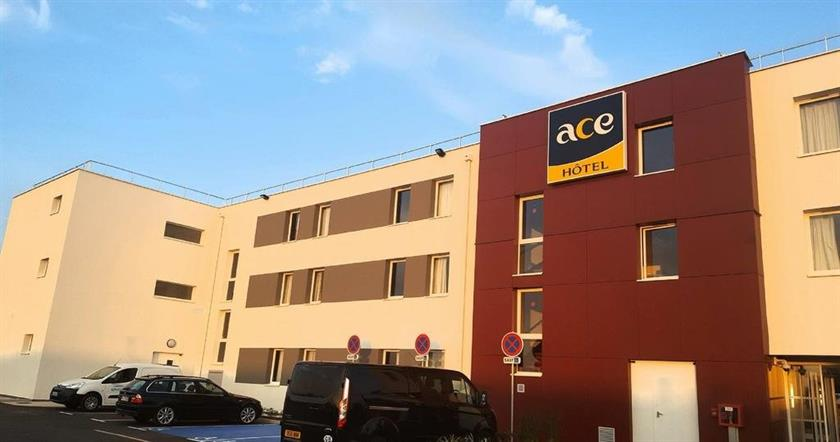Ace hotel troyes saint andre les vergers compare deals for Hotels troyes