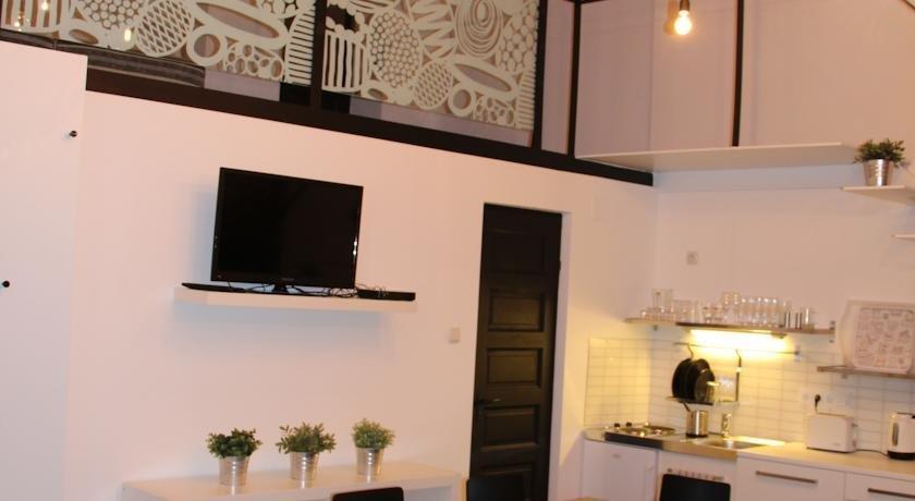 Big city life apartments budapest compare deals for Big city apartments