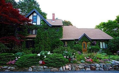 Ivy Manor Inn Bed and Breakfast