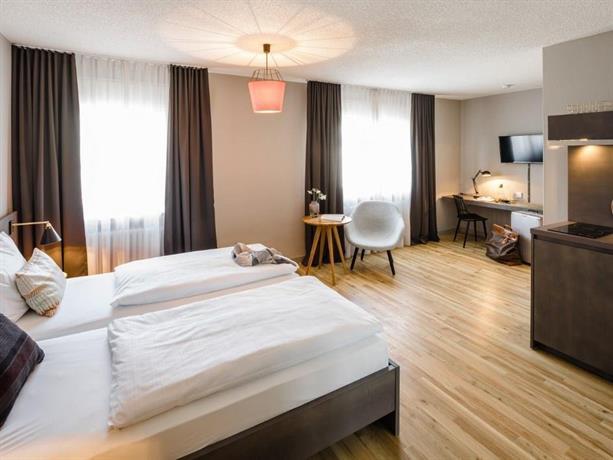 bold apartments frankfurt am main compare deals. Black Bedroom Furniture Sets. Home Design Ideas