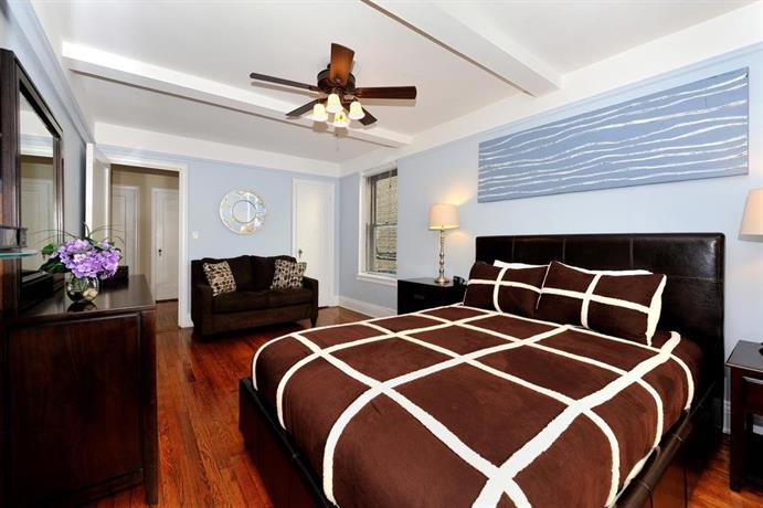 Three Bedroom Apartment With Two Bathrooms East 55th Street New York City Compare Deals