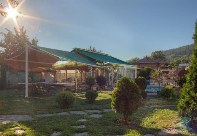 Tihiat Kut Complex