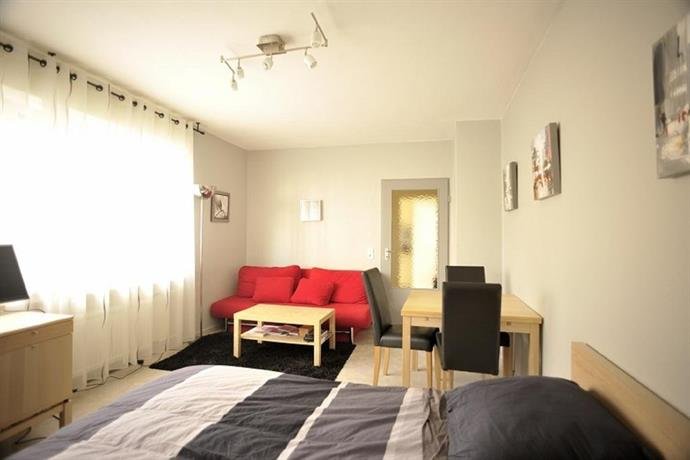 apartment rheinbogen dusseldorf compare deals. Black Bedroom Furniture Sets. Home Design Ideas