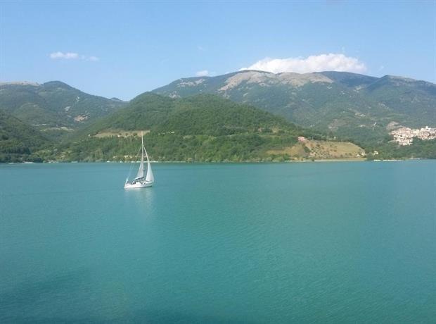 B b la casetta sul lago colle di tora compare deals for Casetta sul lago