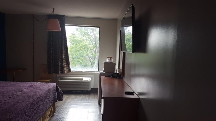 avenue motel mississauga. Black Bedroom Furniture Sets. Home Design Ideas