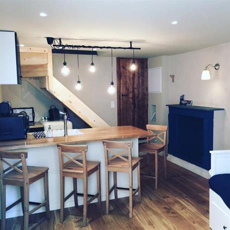 petit duplex citadelle bastia confronta le offerte. Black Bedroom Furniture Sets. Home Design Ideas