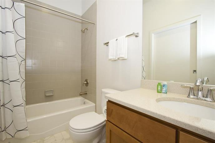 Three Bedroom Apartments Lincoln Park Chicago Compare Deals